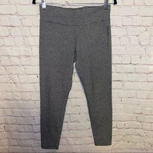 Calvin Klein Performance Capri Leggings Size Large